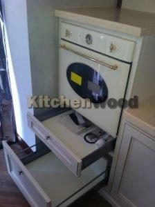 H 011 224x300 - Галерея кухонь из массива