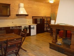 P1030740 300x225 - Галерея кухонь из массива