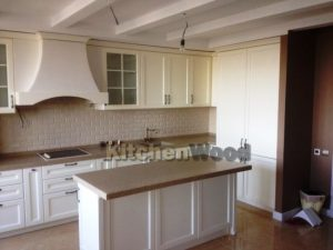 1 300x225 - Галерея кухонь из массива