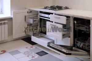 11kUyUGgUCs 300x199 - Галерея кухонь из массива