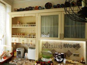 13 300x225 - Галерея кухонь из массива