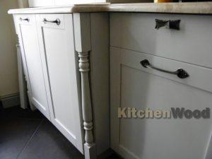 345 300x225 - Галерея кухонь из массива