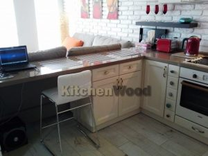 5 300x225 - Галерея кухонь из массива