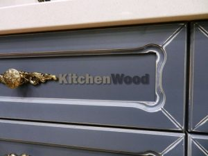 56 300x225 - Галерея кухонь из массива