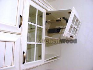 7 300x225 - Галерея кухонь из массива