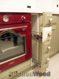 87 225x300 - Галерея кухонь из массива