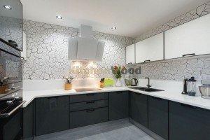 C6vlufSyOb8 300x200 - Галерея кухонь из массива