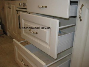 IMG 1706 300x225 - Галерея кухонь из массива