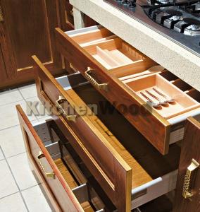 Napolnenie kuhni 284x300 - Галерея кухонь из массива