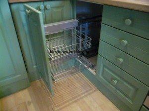 SAM 2236 300x225 - Галерея кухонь из массива