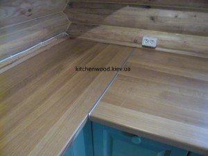 SAM 2246 300x225 - Галерея кухонь из массива