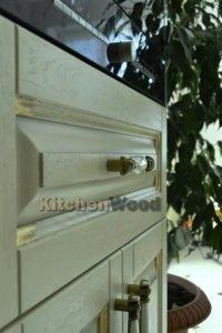 a4e7al vjdg 2 200x300 - Галерея кухонь из массива