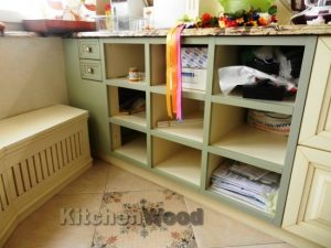 fva 300x225 - Галерея кухонь из массива