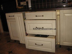 unnamed 63 300x225 - Галерея кухонь из массива
