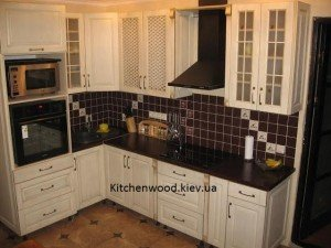 unnamed 67 300x225 - Галерея кухонь из массива