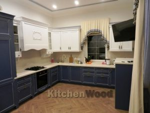 yku2 2 300x225 - Галерея кухонь из массива