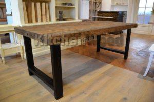 3 300x199 - Столы из массива дерева на заказ