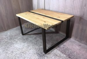 85675 300x202 - Столы из массива дерева на заказ