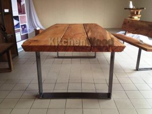 d3d0d19005e65765921786159b989f81 300x225 - Столы из массива дерева на заказ