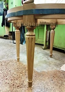 h1w2sqCjfDI 213x300 - Столы из массива дерева на заказ