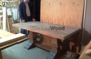 o46go 300x194 - Столы из массива дерева на заказ